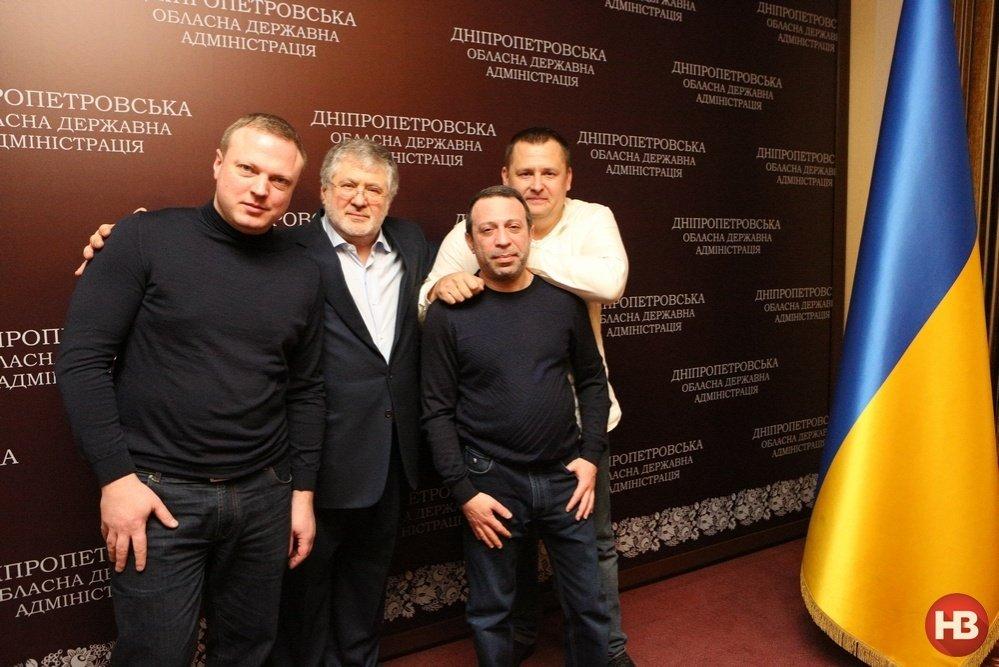 kolomoiskiy_01_nkl_2123