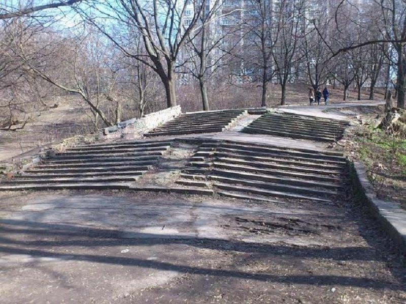 razruha-v-parke-3