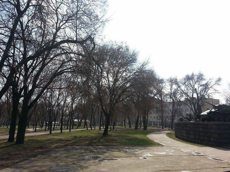 Сквер у диорамы в Днепропетровске