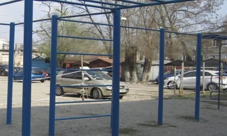 Парковка вместо спортплощадки