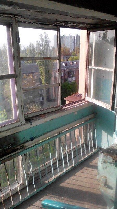 окно, из которого выпал Дорошенко