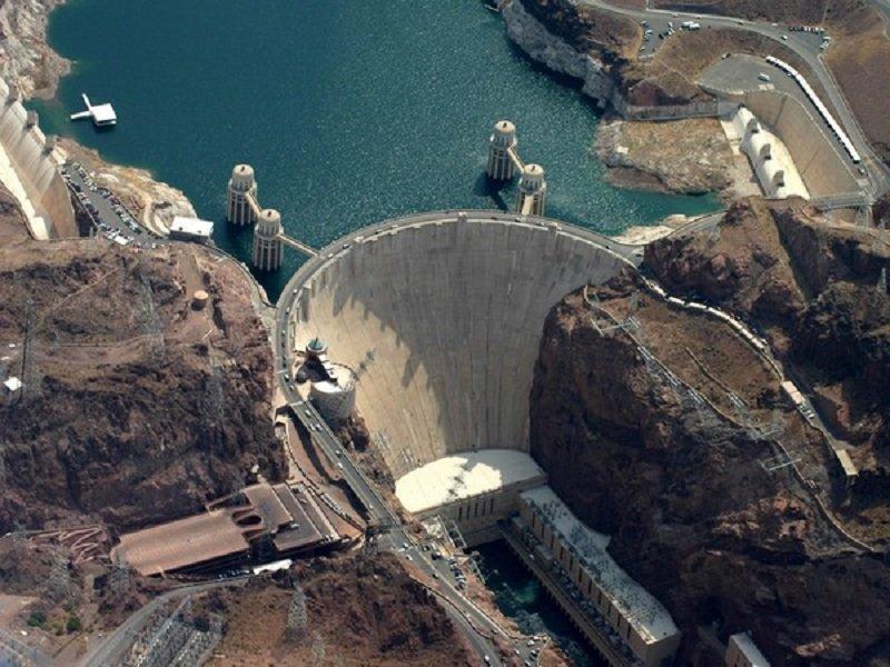 гидроэлектростанция в Америке