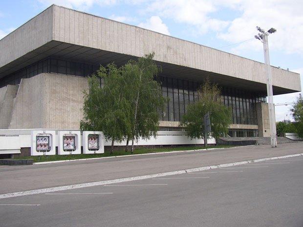 Ледовый дворец метеор в днепропетровске