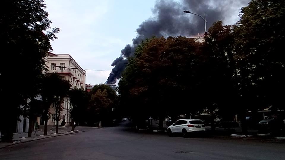 В центре Днепропетровска пожар на стройке