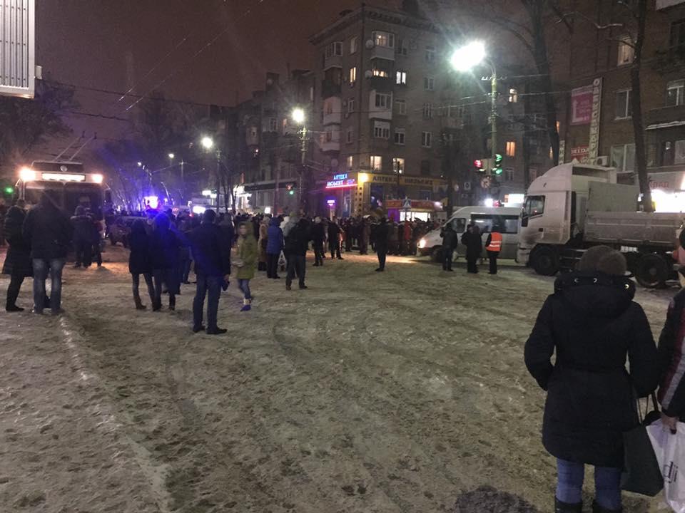 Перекрытие пр. Богдана Хмельницкого в Днепре