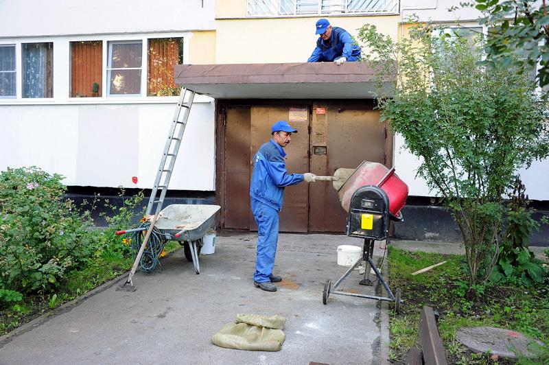В Киеве отремонтируют фасады домов и подъезды
