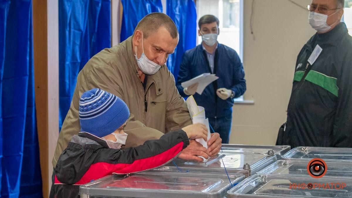 Мэр Днепра призвал прийти на выборы и проголосовать за будущее города и детей