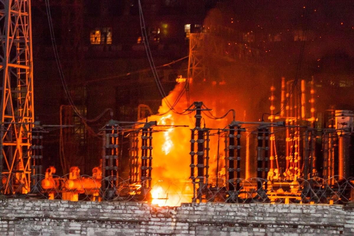 В компании заявили о возгорании трансформатора